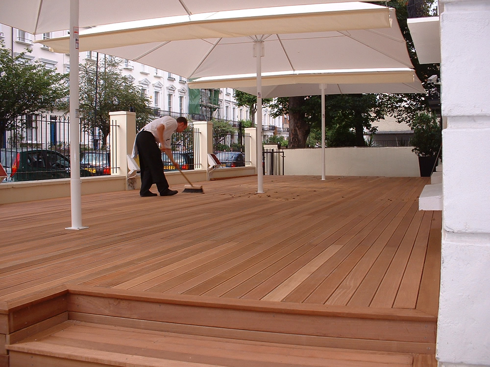 Guest House West Hardwood Decking